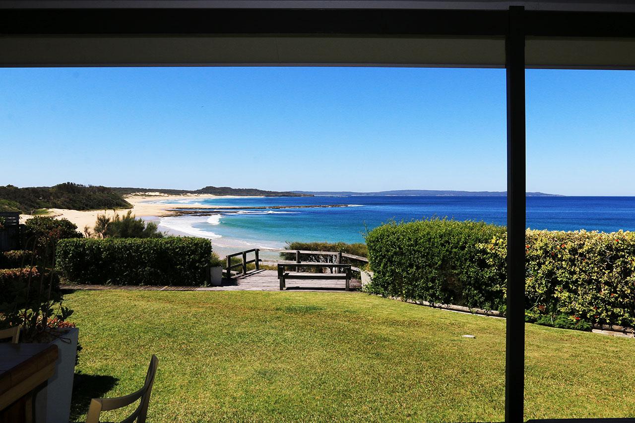 bunkys-by-the-sea-berrara-holiday-house