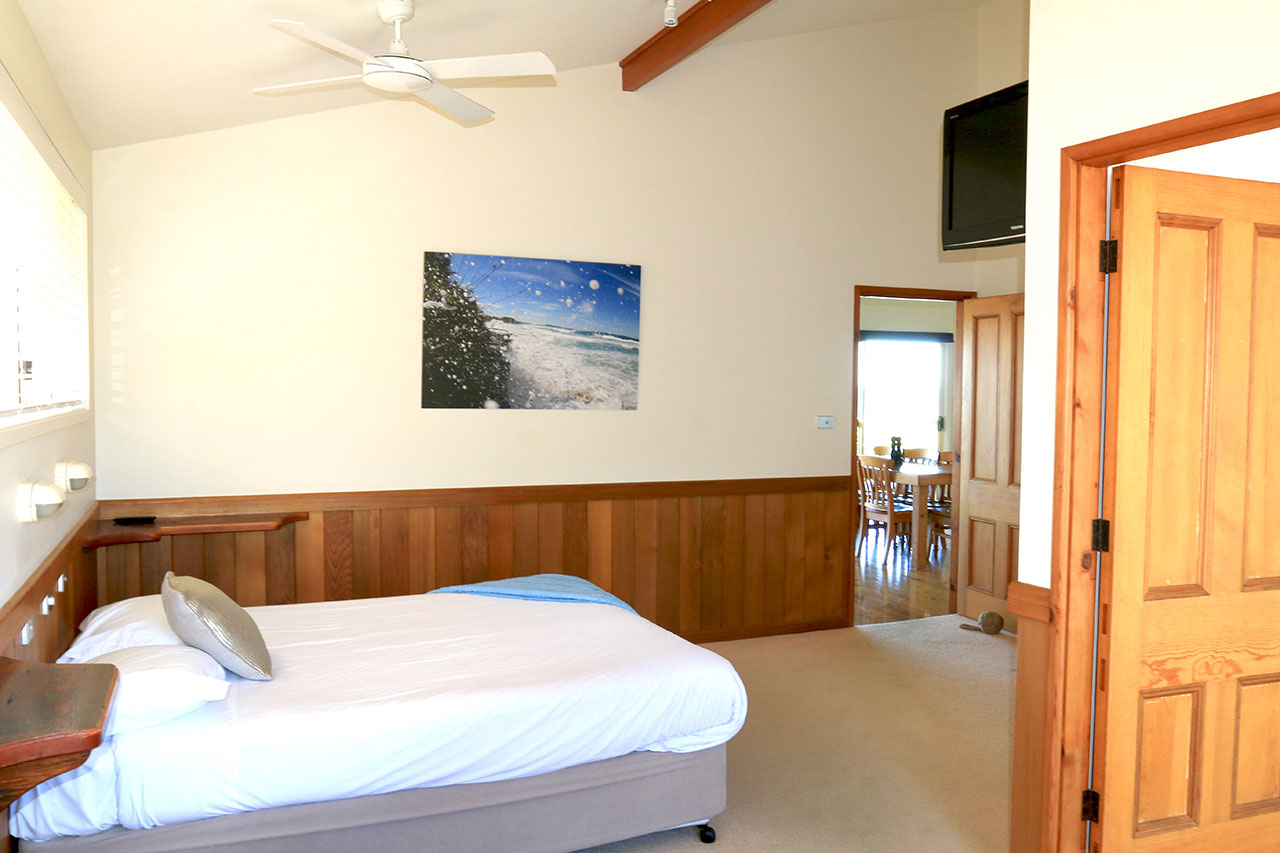 holiday-accommodation-berrara-bunkys-by-the-sea
