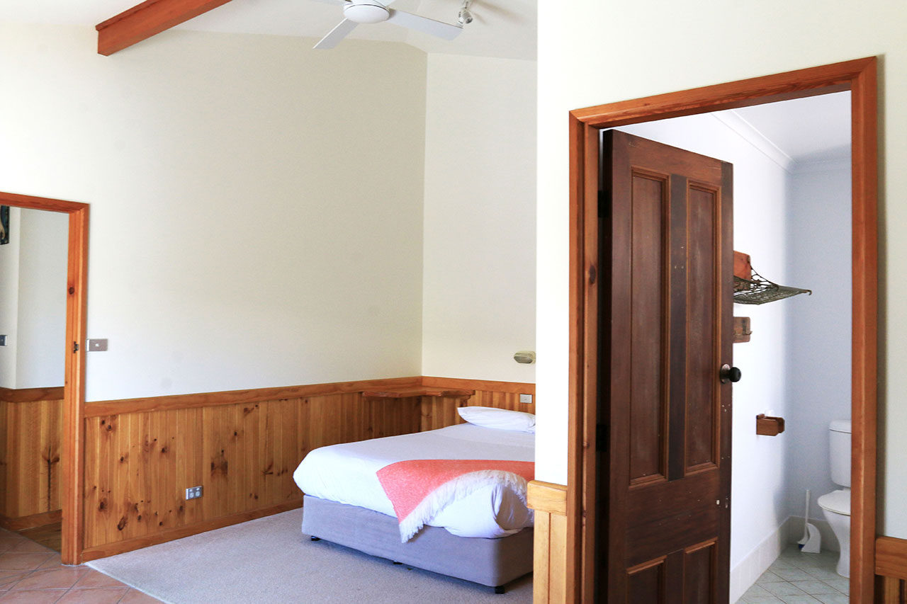 holiday-accommodation-sussex-inlet-bunkys-by-the-sea